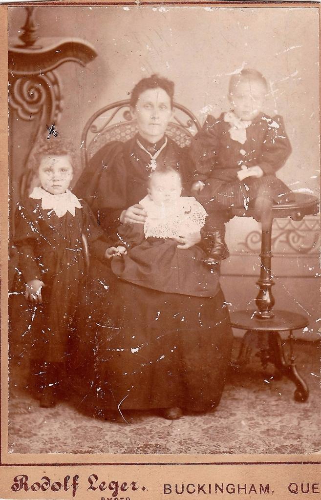joséphine st jacques-clement et 3 enfants