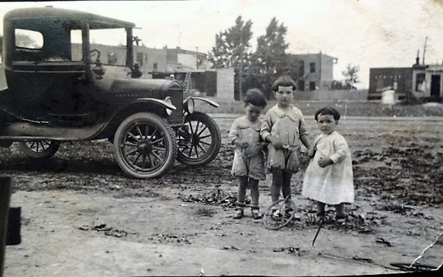 les 3 gamins rodrigue rue Brenmer ou Benoni